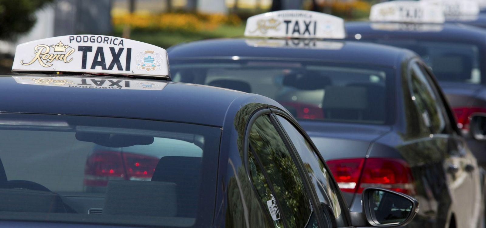Z lotniska Podgorica najszybciej pojedziemy do hotelu taksówką.
