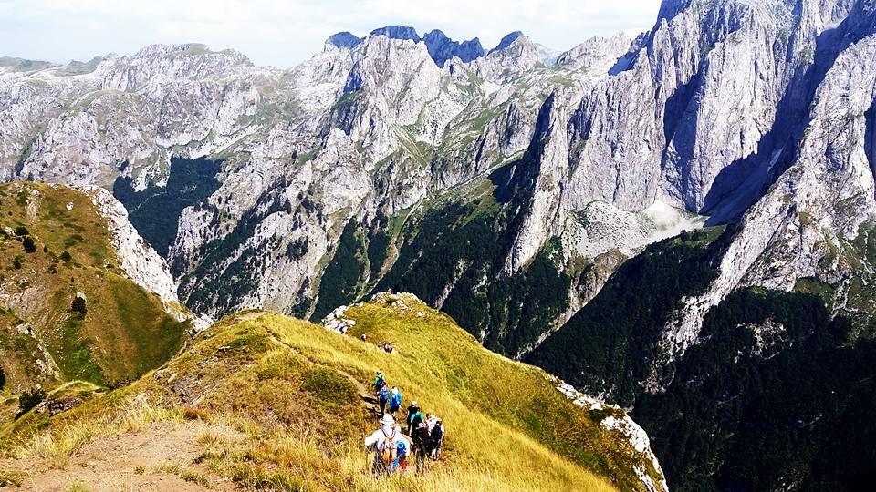Trekking w Górach Przeklętych.