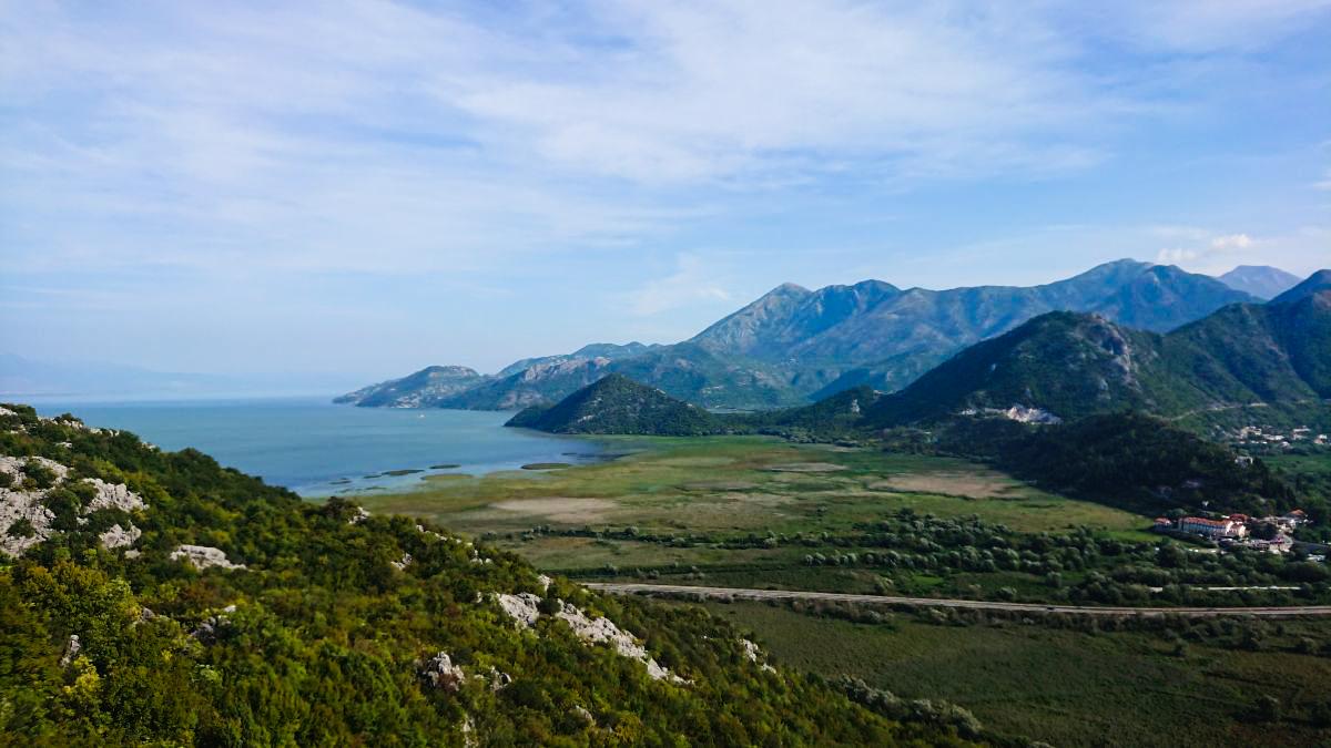 Mniej popularny punkt widokowy na Jezioro Szkoderskie.