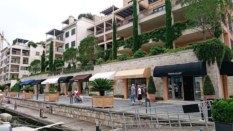 W Tivacie znajdziemy sporo luksusowych butików.