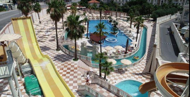 Aquapark w Hotelu Mediteran.