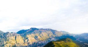 Nasze ulubione miejsce na trekking, skąd można podziwiać całą Zatokę Kotorską.
