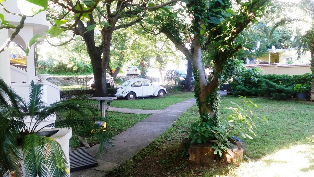 Ogród przy apartamentach Mond.