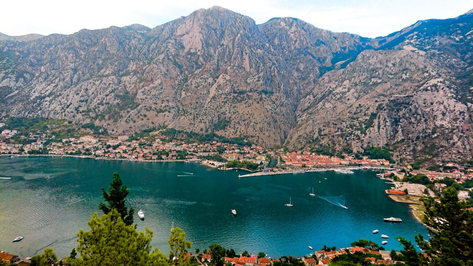 Widok na Kotor z półwyspu Vrmac.