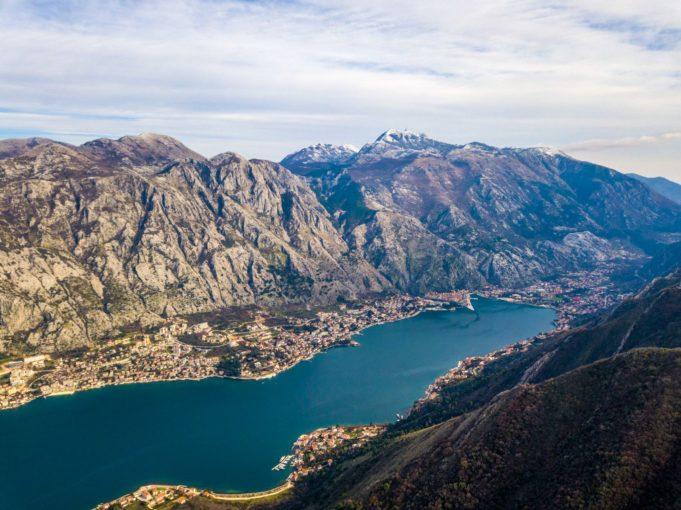 Kotor ma przepiękne położenie. fot. Bałkany Rudej