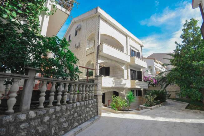 Apartments Villa Mirjana.