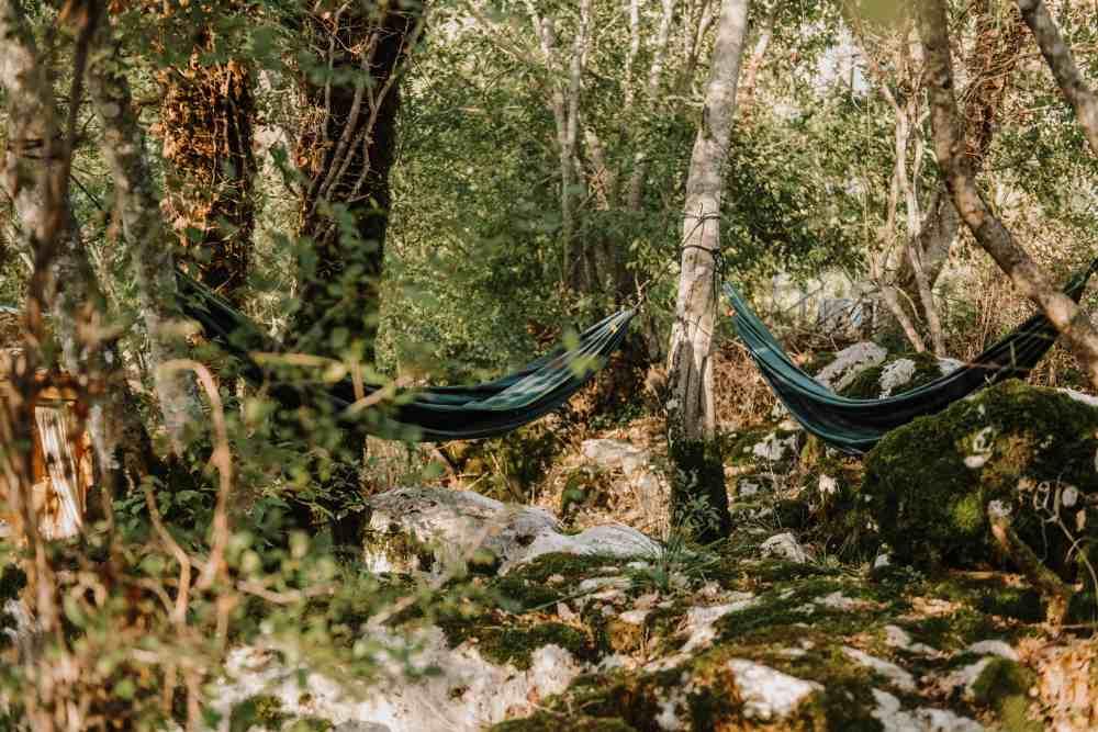 Każdy namiot ma swój kącik do relaksu.
