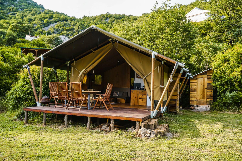 Największy namiot Mulberry.
