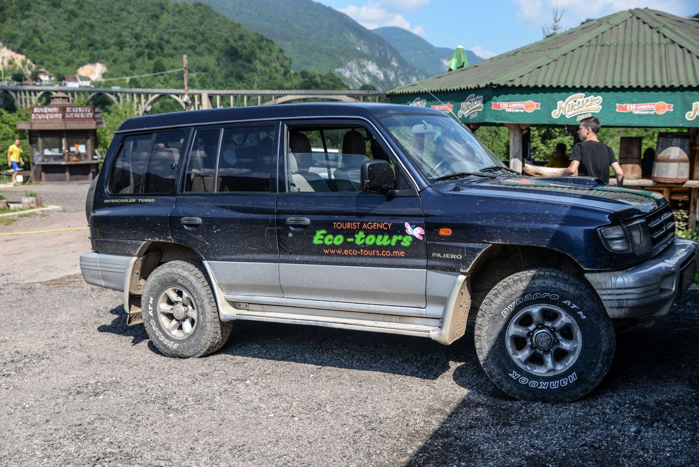 Rafting można połączyć z jeep safari