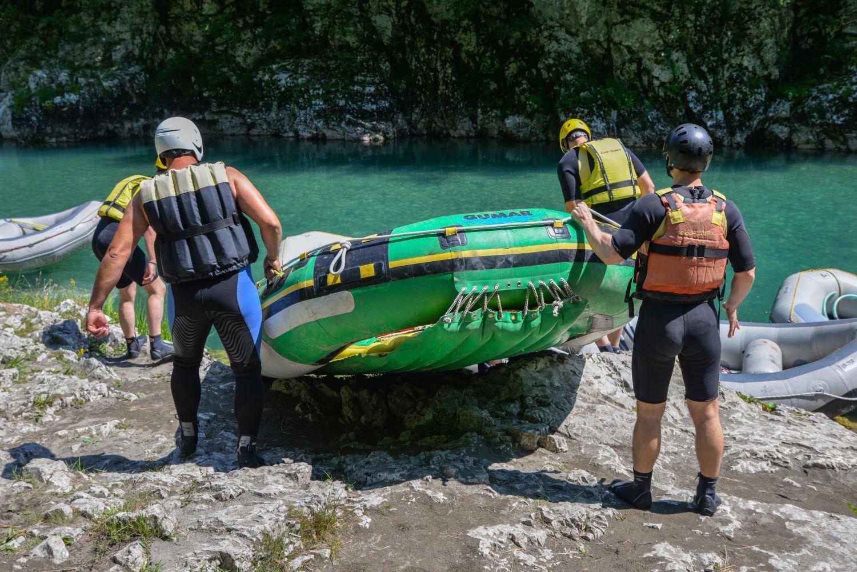 Przygotowania do raftingu