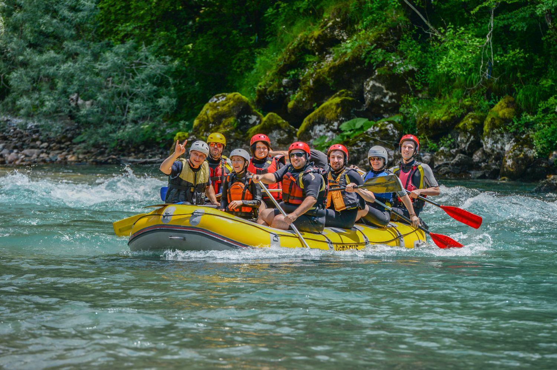 Rafting to idealna atrakcja dla rodzin z dziećmi